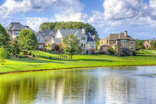 lake-home