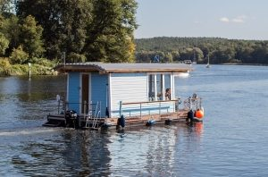 rent a houseboat at smith mountain lake