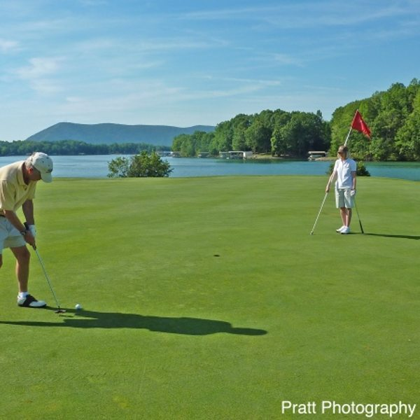 Smith Mountain Lake Golfing