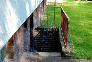 basement-stairs-347482_960_720