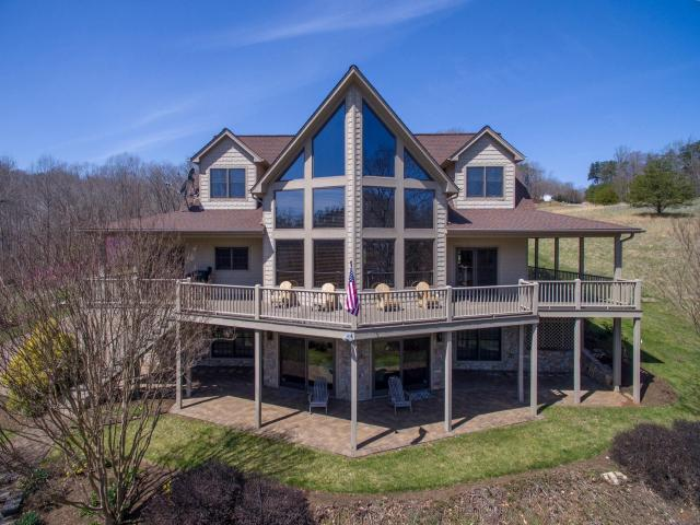 Beautiful Custom Built Waterfront Home 187 Smith Mountain