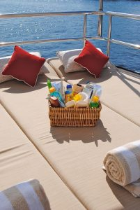 sunscreen-bed-755943_960_720