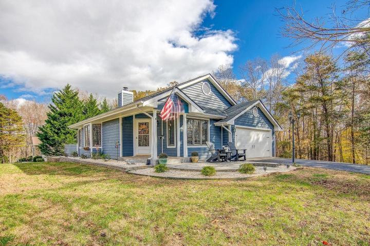 Cool 4 Bedroom Ranch Style Home With Lake Access Smith Mountain Download Free Architecture Designs Boapuretrmadebymaigaardcom