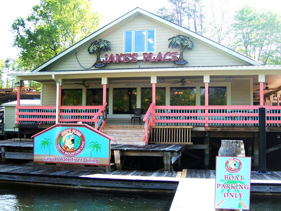 The Insider's Guide to the Best Dining at Smith Mountain Lake